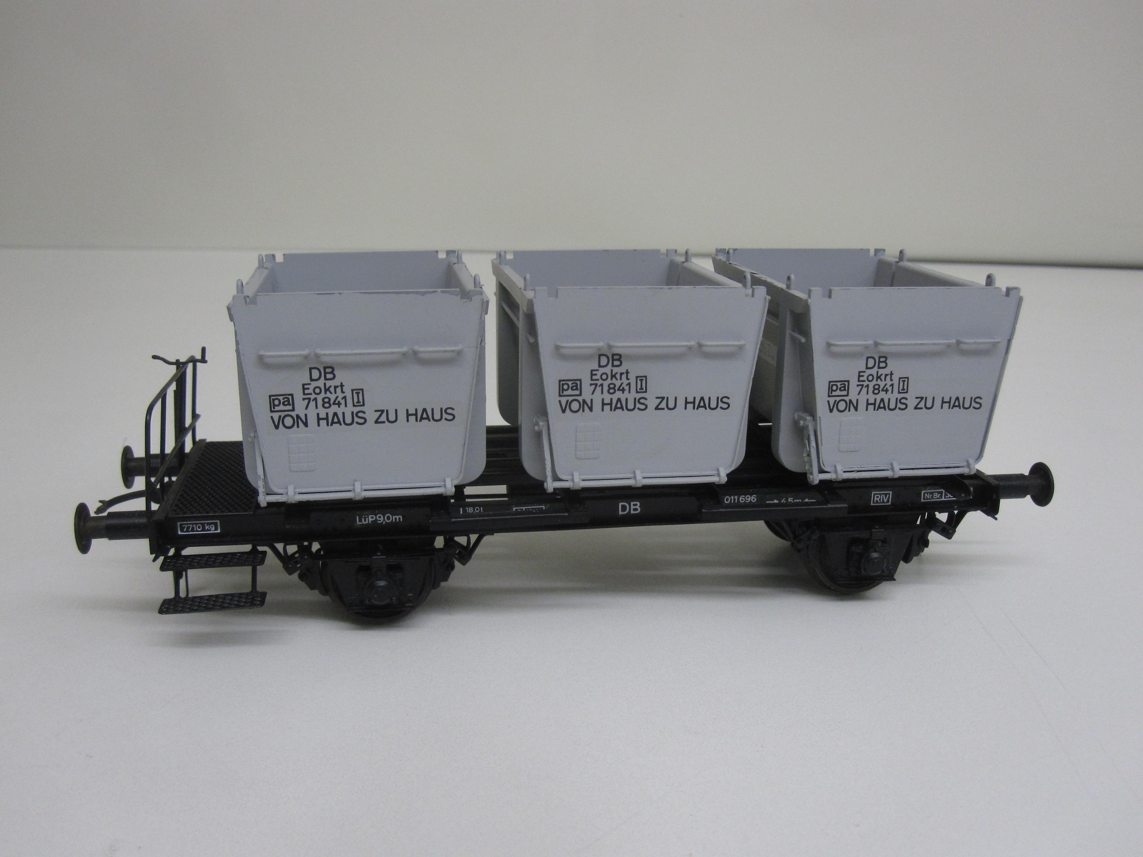 demko modellbahn beh lterwagen von haus zu haus mit drei mulden. Black Bedroom Furniture Sets. Home Design Ideas